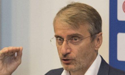 KOMENTÁR: Eduard Chmelár sa mýli, Róbert Mistrík nie je prázdna nádoba