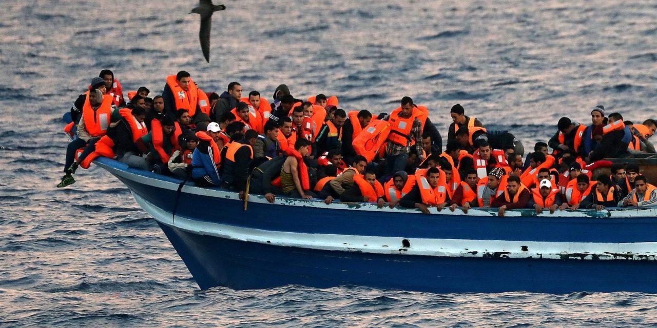 Posádka talianskej lode sa vraj dopustila zločinu, keď zachránených pri pobreží Líbye odviezla do: Líbye