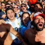 HUMOR z portálu Aktuálne: Putin si strelil vlastný gól. Rusi vďaka futbalu dýchajú dúšky slobody