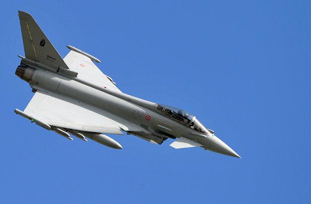 MIMORIADNA SPRÁVA z Daily Star: Stíhačka NATO vypálila raketu pri ruských hraniciach. Vraj neúmyselne.