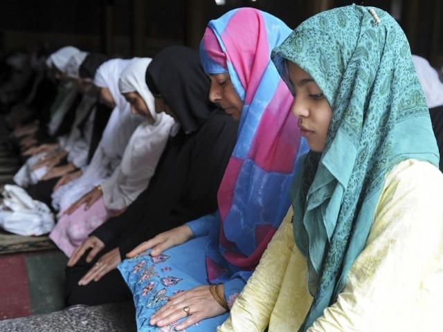 """REFLEX: Moslimovia v Poľsku """"presvedčili"""" na islam maloletú. Súdy a mimovládky tvrdia, že je to OK."""