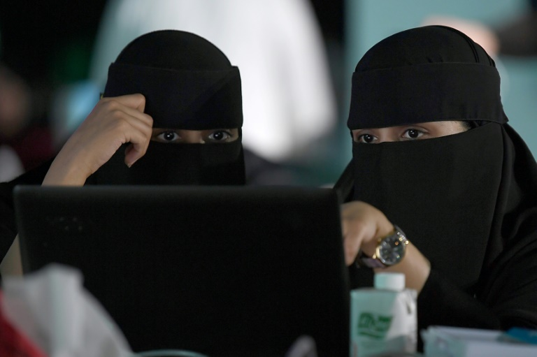 Šokujúce rozhodnutie saudského súdu, žena dostane pas aj proti vôli otca.