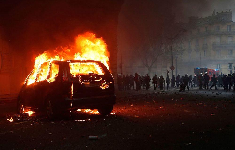 Francúzi začali vyšetrovanie, ako Rusi vyprovokovali revolúciu žltých viest