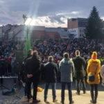 Kotlebovci získavajú – blokácia mítingov, stíhania a súdy  im prinášajú priazeň voličov.