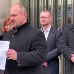 Marian Kotleba sa vyjadril k blokáde parlamentu progresívcami.