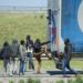 """Migranti opäť vyčíňajú. Vodiči v Calais sa boja vyliezať z kamiónov a hľadať """"čiernych pasažierov"""""""